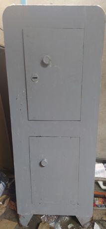 Продам сейф заводской