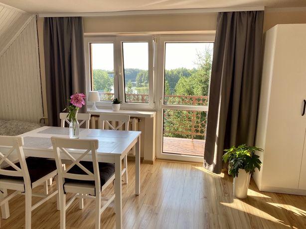3 pokojowy Apartament (60 m2 ) do 10 os. z widokiem na  jezioro