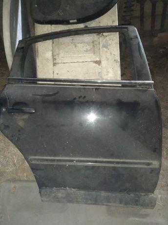 Passat B5 lift Drzwi prawe tył sedan czarny metalik