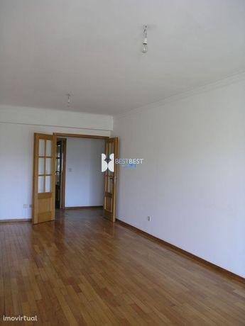 Apartamento T2 Para Arrendamento, No Centro Da Trofa