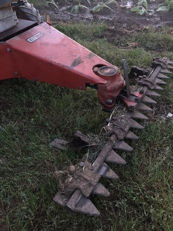 Maquina corta erva