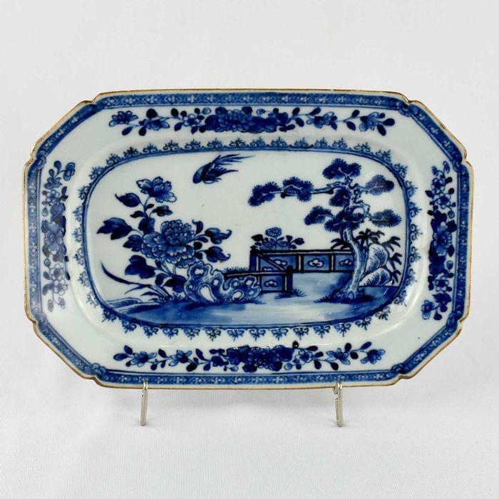Travessa companhia das Índias, séc. XVIII, decoração Azul e Branco
