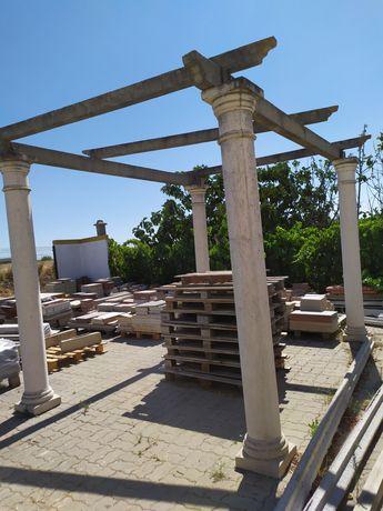 Pérgola 4 pilares e vigas de betão