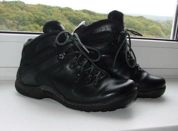 Демисезонные, кожаные, черные, ботинки на мальчика BADURA. Размер -36.