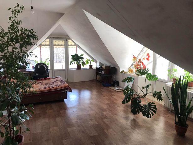 Продам 2-этажный дом в Александровке