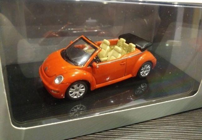 Auto Art model 1;43 Volkswagen Neu Beetle cabrio skala 1:43