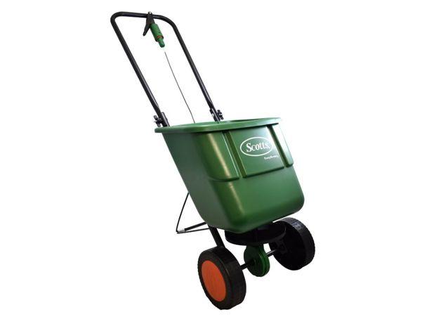 Rozsiewacz siewnik nawozów trawy Scotts EasyGreen trawa w rolkach