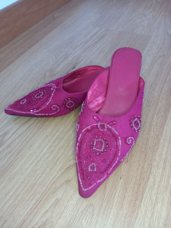 Babuchas cor de rosa