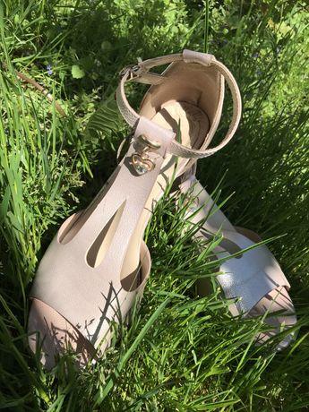 Жіночі туфлі 38 р.