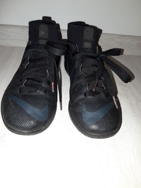 Nike rozm. 35 buty do gry piłka nożna turfy korki