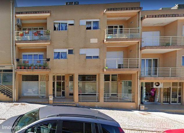 Apartamento T2 em São João da Madeira (Arrifana)