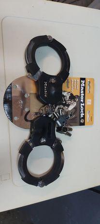 Zabezpieczenie kajdankowe do roweru. hulajnogi skutera master lock