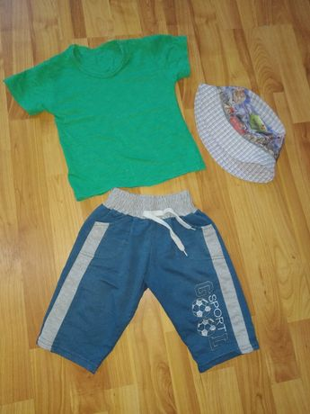 Летний костюм на мальчика 2-4года
