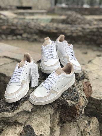 Кожаные кроссовки Adidas Supercourt