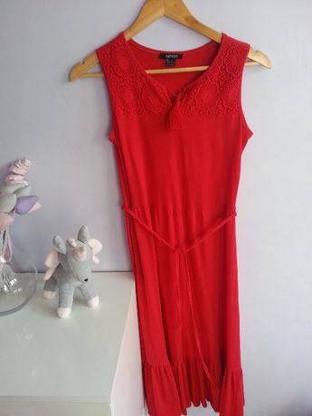 Sukienka boho czerwona z falbaną XS