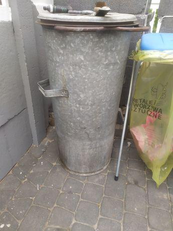 Kosz na śmieci blaszany