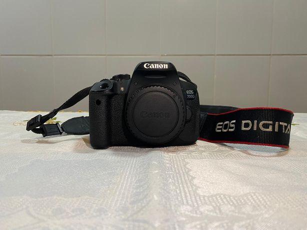Câmera Canon EOS 700D