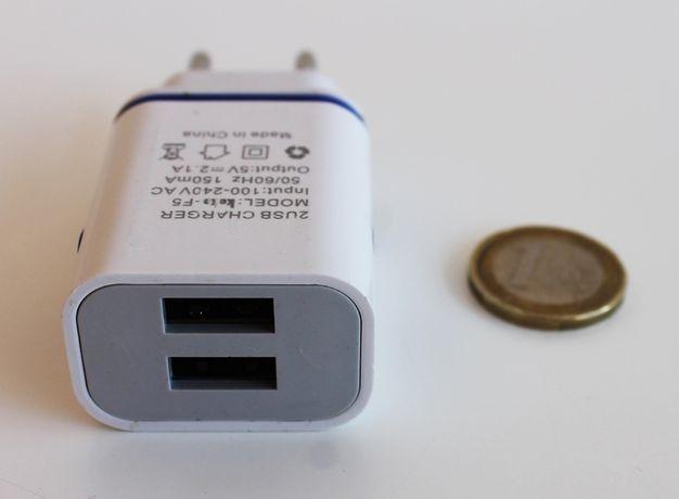 Carregador USB duplo de 5V 2.1A (NOVO)