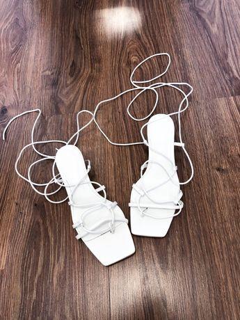 Zara sandały skorzane  wiązane kaczuszka cena 159zl