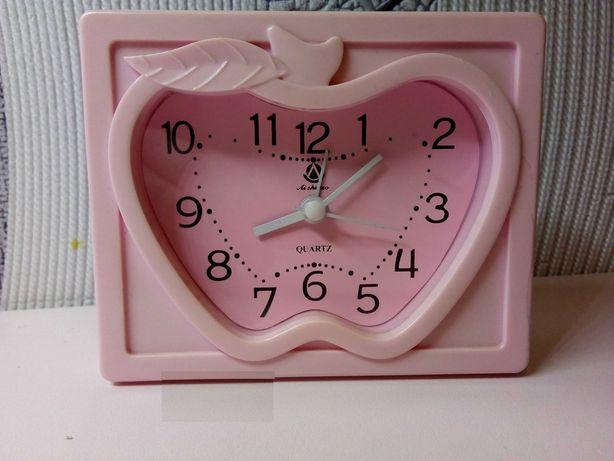 Продам детский будильник, часы
