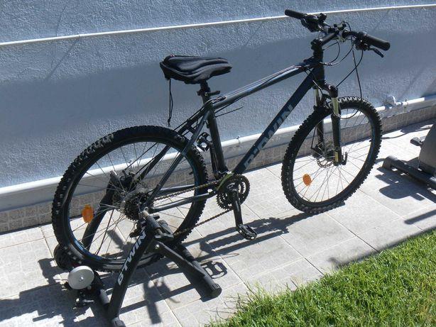 Bicicleta e suporte de roda fixo, B. Twin
