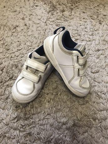 Кроссовки Nike р. 7,5