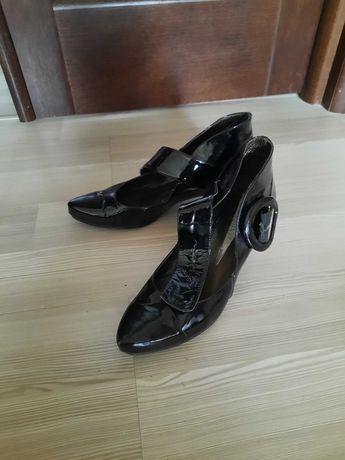Туфли женские кожаные лаковые