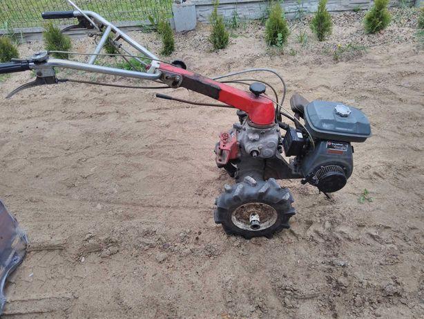 Kubota gs200 traktorek jednoosiowy dzik glebogryzarka