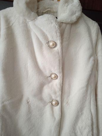 Шубка белая Oodgji  размер46-48