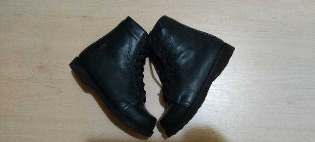 Ботинки кожа,ортопед .В отличном сост.Сапоги зимние