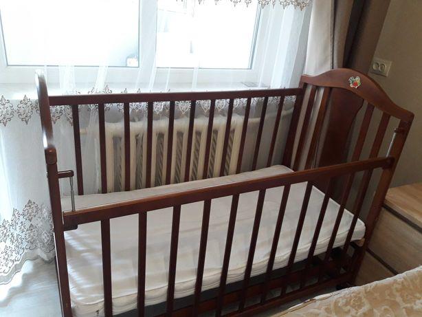 Продам кровать детскую 0-3 года