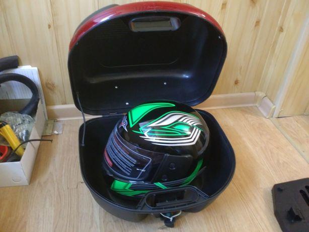 Кофр с шлемом* для мото на багажник быстросъемный черный матовый