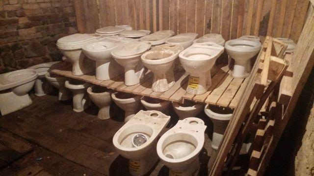 Унитаз, раковины и гофры бу для ремонта,