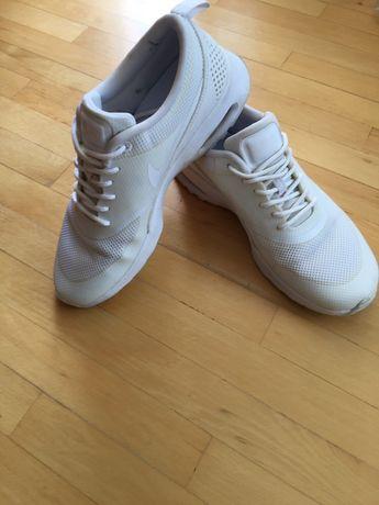 Продаю кроссовки Nike