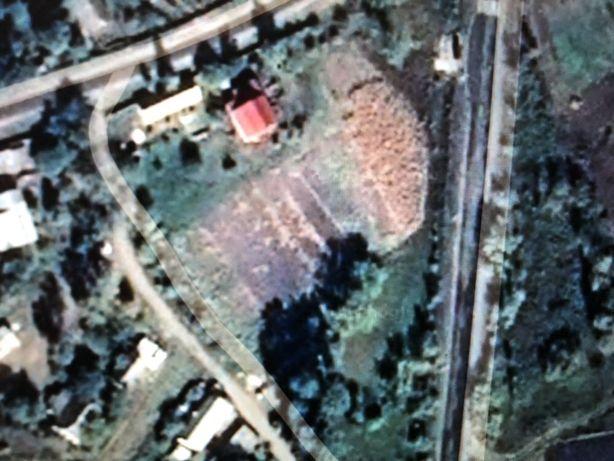 Продам участок в центре села 42 сотки,Барышевский район, с.Бзов,