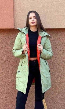 Куртка зимова жіноча молодіжна з капюшоном.