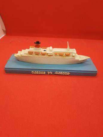 Детская игрушка кораблик сборная пластиковая модель Одесса лайнер ссср