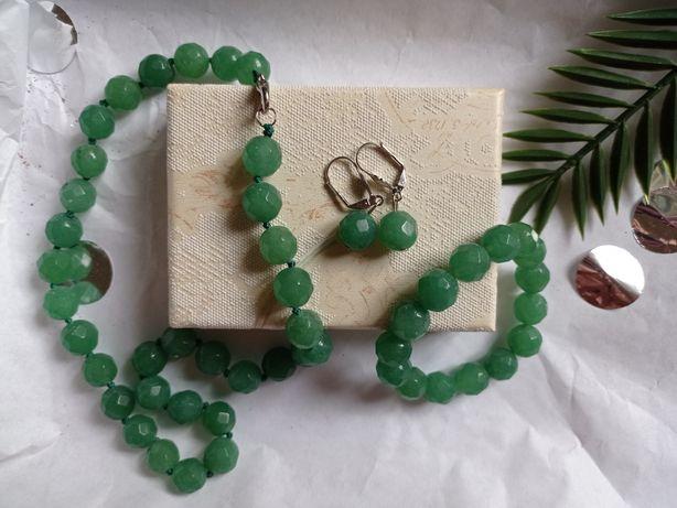 Комплект украшений Ожерелье (кулон), серьги, браслет. Изумрудный.Новый