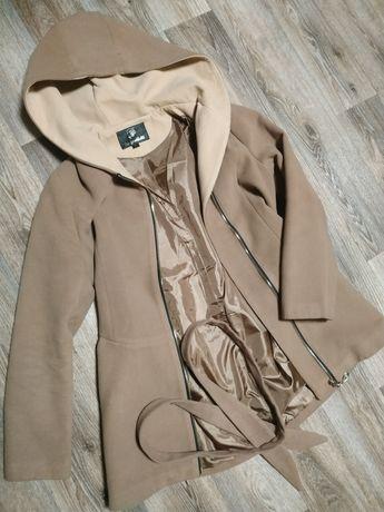 Продам пальто размер XL