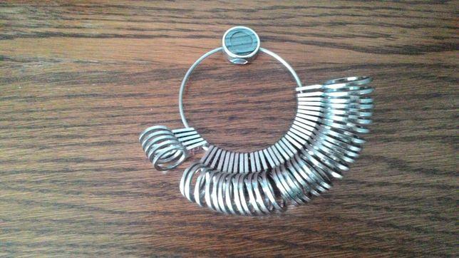 Miernik metalowy do obrączek ,pierścionków ,na palec