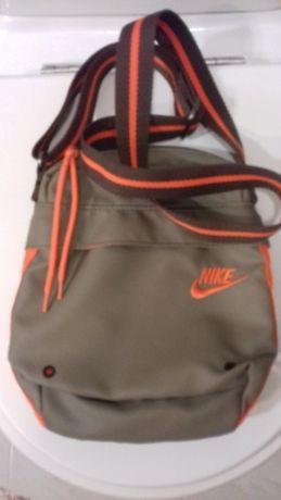 Bolsa Nike com alsa regulável