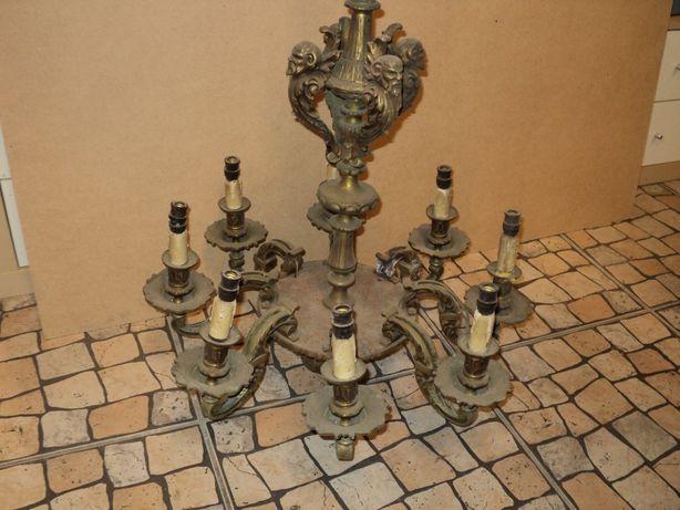 Lustre em bronze e latão
