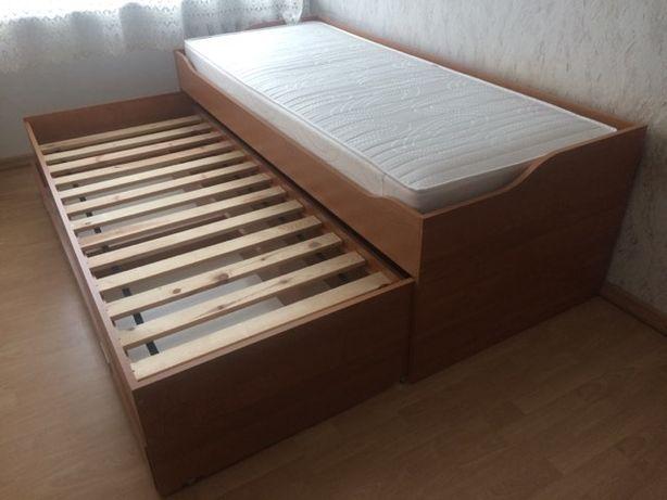 Łóżko jednoosobowe z wysuwaną szufladą na dodatkowy materac