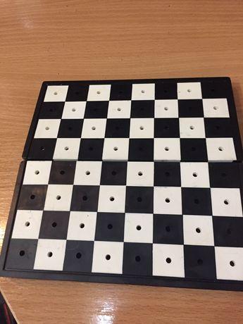 Дорожная шахматная доска ссср  без шахмат