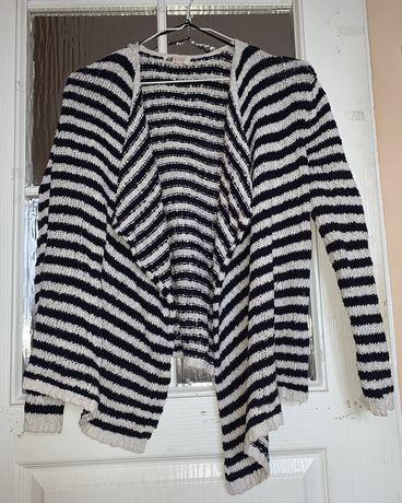Sweterek z dluzszym przodem