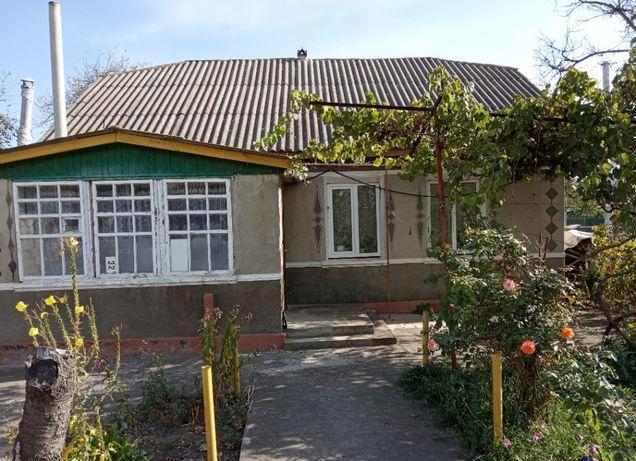 Продам будинок смт Дунаївці.