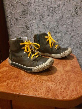 Кожаные детские осенне-весение ботинки 28 размера