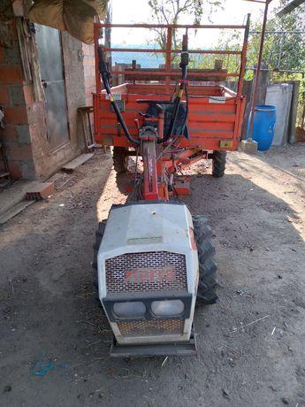 Motocultivador com reboque