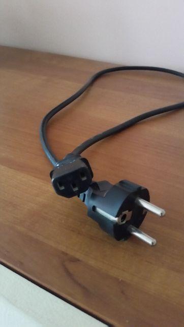 Kabel zasilający do komputera stacjonarnego, drukarki, monitora.