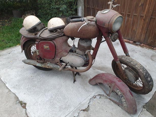 Sprzedam lub zamienię  stary motocykl JAWA 250